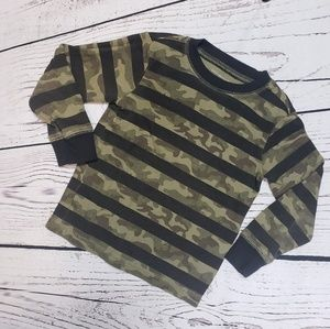 🍭5/$25 Striped camouflage thermal top